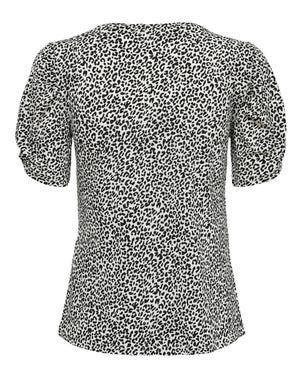 Leopard Print Short Sleeve Knit Top
