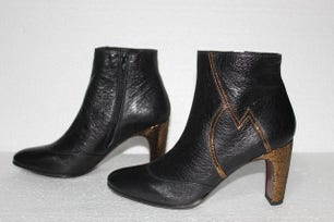 Omai Happy Side Zip Ankle Boots