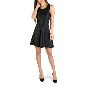 Black Wide Neck Sleeveless Midi Dress