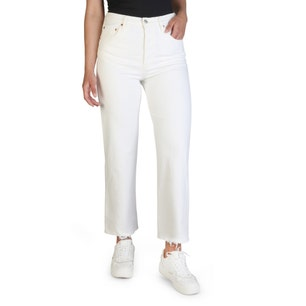 Button Classic Straight Jeans