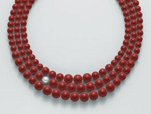 Choker 3 Rows Red Coral Gold Clasp Necklace