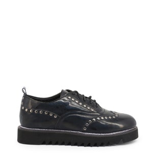 Round Toe Leather Studs Lace Shoes