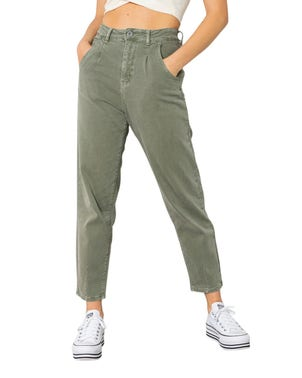 Back Pocket Button Zip Crop Jeans