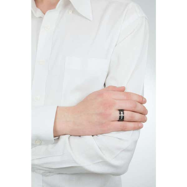BE BLACK Size 19 Ring