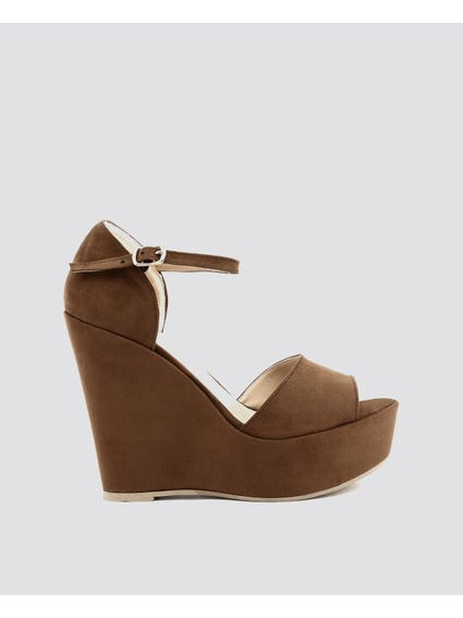 Brown Beniamina Sandals