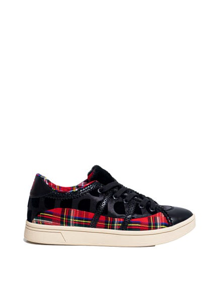 Lace Up Checkerd Sneakers