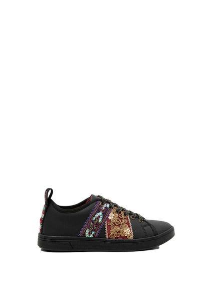 Round Toe Embellish Sneakers