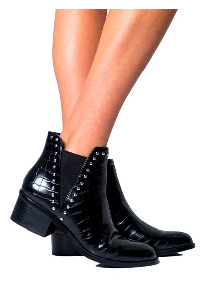 Elastic Studs Ankle Boots
