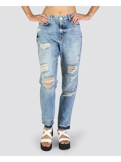 Tears Front Comfort Fit Jeans