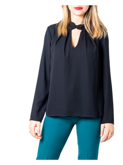 Black Collo Plisse Blouse